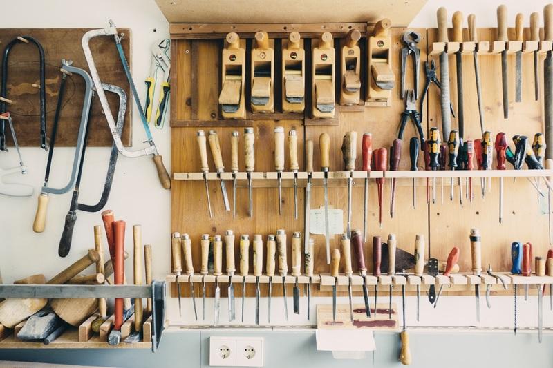 Hoe je de garage schoon en opgeruimd houd