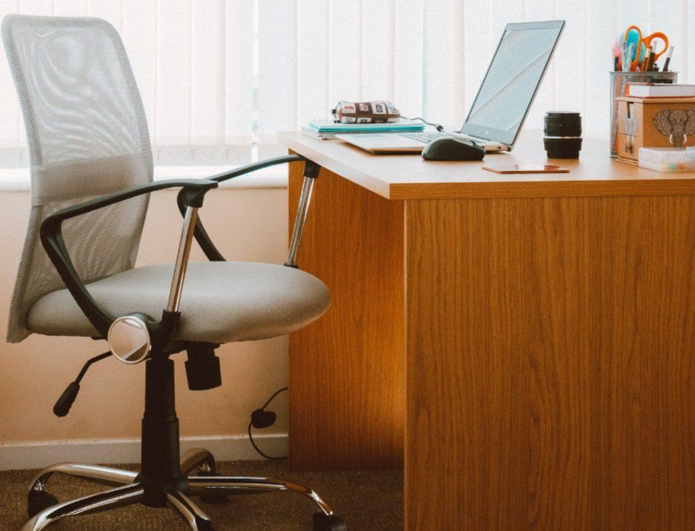 De beste zithouding voor kantoorbanen